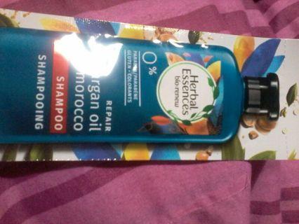 Herbal essences bio renew argan oil shampoo sachet