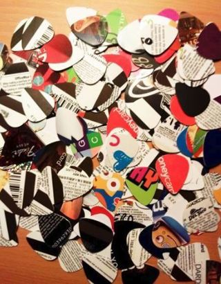 (22) GUITAR PICKS ~ RECYCLED