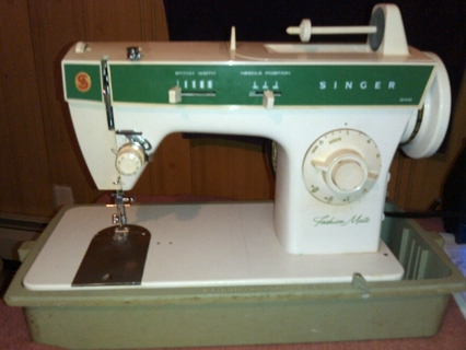 Free Vintage Singer Model 40 Fashion Mate Electric Sewing Machine Adorable 1970s Singer Sewing Machine