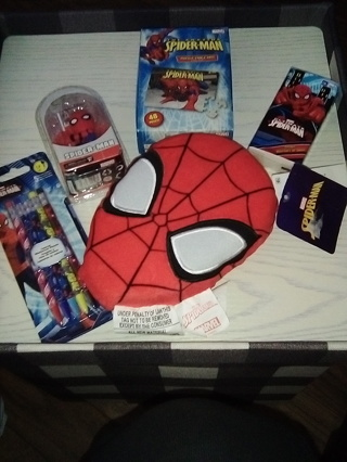 SPIDER-MAN Lot of 5, 1) Tissues 2) Mechanical Pencils 3) Pillow 4) Puzzle 5) Scalers / Free Shipping