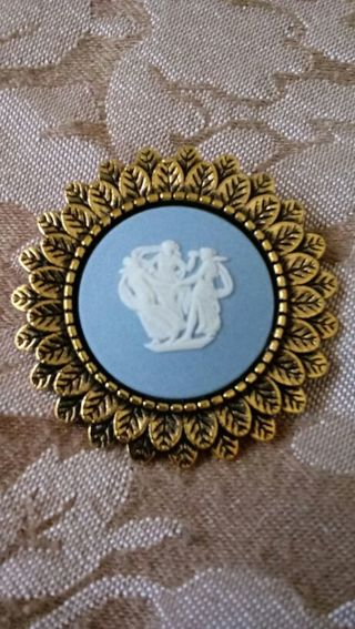 Wedgwood The Three Graces Cameo Brooch
