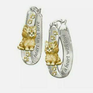 {>_<}● Cat Hoop Earrings ●{>_<}