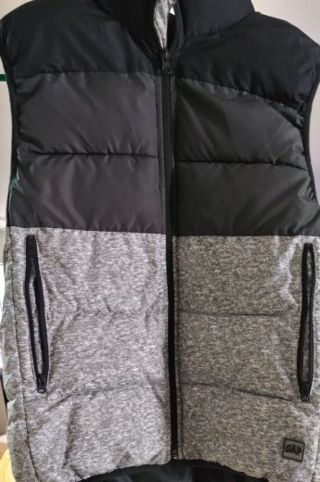 Gap black and white vest