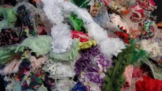 Shabby flower grab bag. 25 flowers
