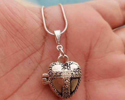 Secret keeper prayer box, heart with cross, necklace silver tone