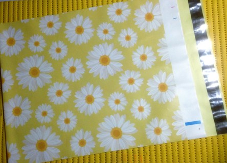 "7 DAISIES 10"" x 13"" Poly Mailers"