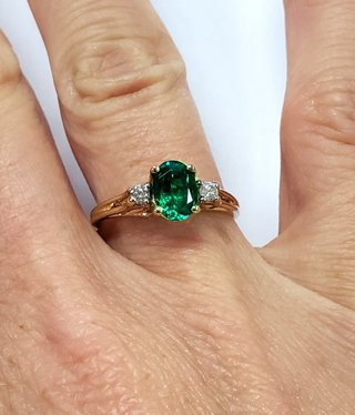 10k Yellow Gold Oval Green Tourmaline & Diamond Ring