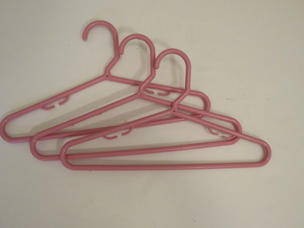 Set of 3 Plastic Child Size Coat Hangers Pink