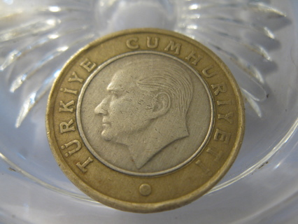 (FC-157) 2010 Turkey: 1 Lira - Bi-Metal