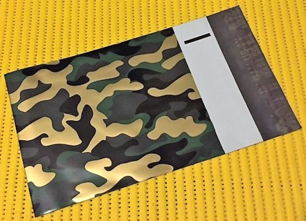 "8 CAMO 9"" x 12"" Poly Mailers"
