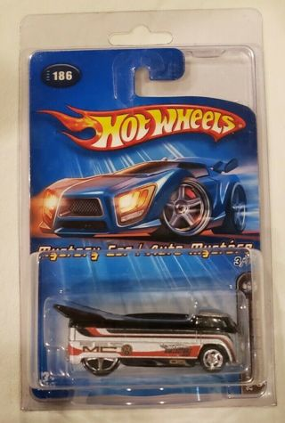 Hot Wheels 2005 Mystery Car VW Drag Bus in Clamshell Protector
