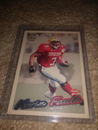 2 Card lot football New England Patriots the past and the future Kevin faulk and Dion Lewis