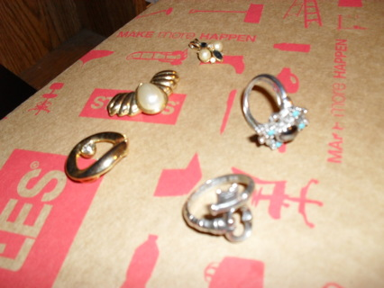 Vintage rings and necklaces