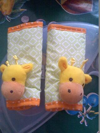 FREE Giraffe Carseat Strap CoversBRAND NEW