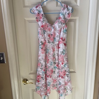 No boundaries dress for kids size S / Shipping is $3.50 :)