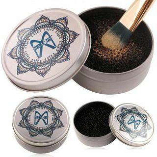 Makeup Brush Eyeshadow Sponge Cleaner Rapid Cleaning Case Box Cosmetic Tool