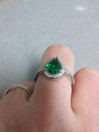 Sz 9 Emerald Ring