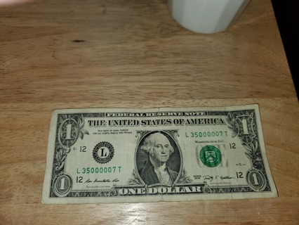 Collectible Dollar Bill   L35000007T