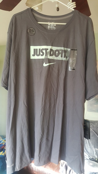 ~Mens Nike Dri-Fit 4XL Tee NEW!~ $25.00 Value!