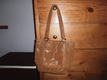 Free B Makowsky Leather Medium Tote With Signature
