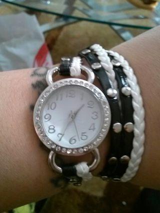 watch/bracelet black and white