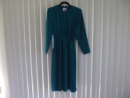 Leslie Fay Women's Green Dress Sz 6P