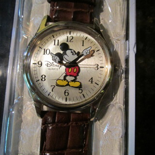Brand New Disney Parks Watch of Mickey Mouse in original Disney Box