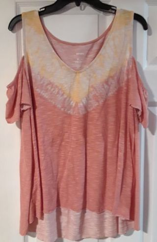 Plus Size Cold Shoulder Top size XL