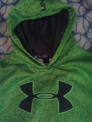 UNDER ARMOUR HOODIE SIZE YXL Very good condition