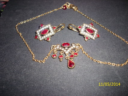 1920's NECKLACE AND EARRING SET