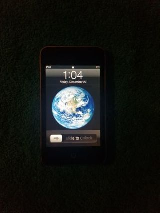 Apple iPod Touch 8GB 2nd Gen