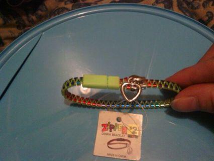 Zipper Charm Bracelet (Heart)