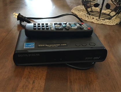 ⭐️ DIGITAL CONVERTER BOX! ⭐️