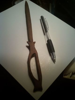 ANTIQUE. FOLK ART HAND CARVED SWORD..PROBABLY CARVED ON A SHIP BY SAILOR..WOW