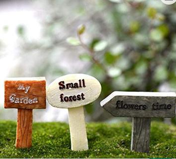 DAWEIF 3Pcs Resin Sign Figurines Micro Landscape Crafts Miniatures Fairy Garden Moss Terrarium Decor
