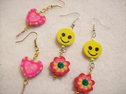 2 pairs of dangle earrings
