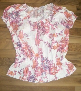 *Like NEW* Large pink & purple floral & beaded neckline top. Lots of stretch and very pretty!