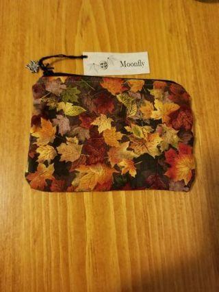 Pretty Maple Leaf Zippered Bag NWT
