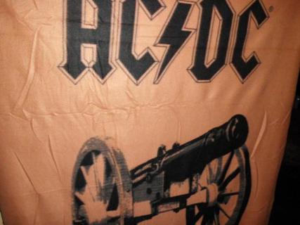 AC/DC PLUSH THROW BLANKET ...LAST ONE LEFT ..FREE SHIPPING