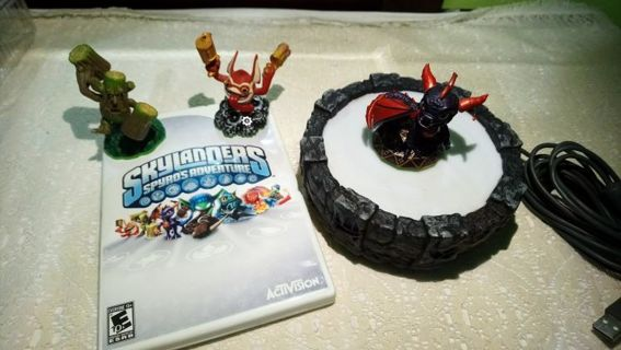 Skylanders Spyro's Adventure Wii Game with three Skylanders and Portal