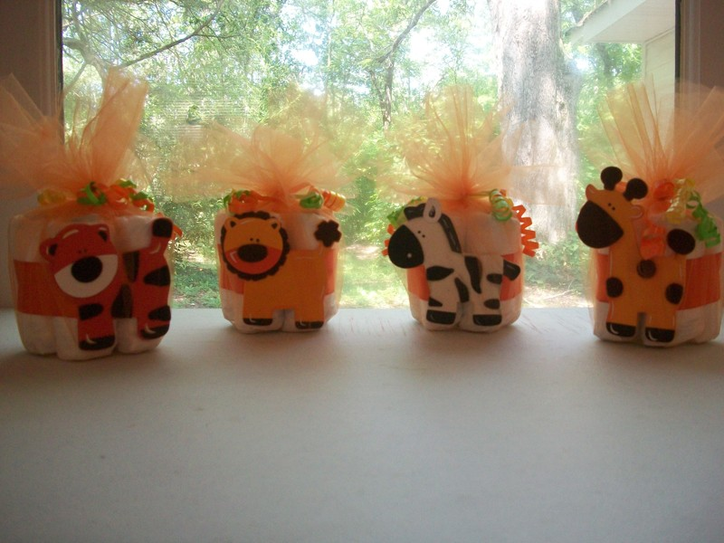Jungle Themed Baby Gifts Uk : Free jungle themed mini diaper cake baby shower gift