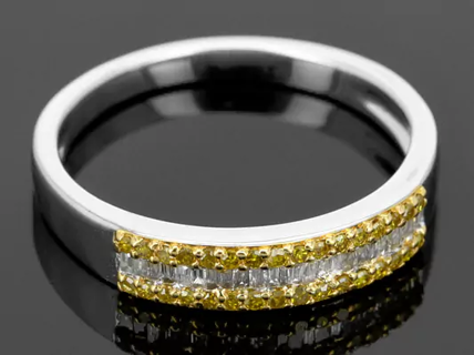 YELLOW & WHITE DIAMOND RING ******