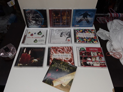 10 CHRISTMAS CDS holiday Music (MINT Condition) Like New GREAT Assortment