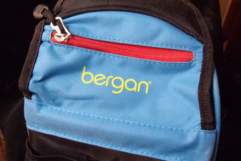 CHECK OUT THIS COOL BERGAN DOG OR CAT TRAVEL BAG