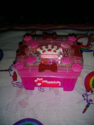 ❤✨❤✨❤B.N. MINI PINK KAWAII CONTAINER FILLED WITH 300+ ASSORTED FLATBACK FLOWERS❤✨❤✨❤BY:MAYA