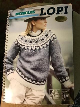 Knit book,Reynolds LOPI