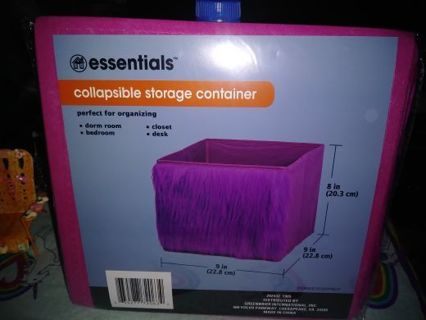 ⚛✨⚛✨⚛1 BRAND NEW HOT PINK FURRY COLLAPSIBLE STORAGE BIN/CONTAINER⚛✨⚛✨⚛GIN=2!