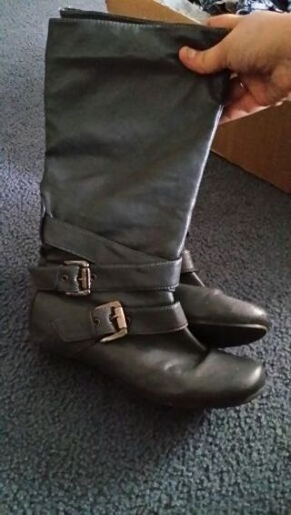Size 7 almost knee high Grey boots!!