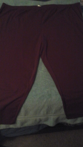ONE PAIR WOMENS  NWT 5XL GREY OR WINTERBERRY LEGGINGS/** GIN GETS BOTH