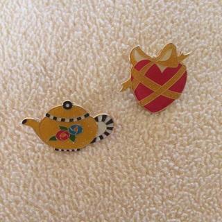 Vintage Collectibles Mary Englebreit Teapot & Heart Pin Backs